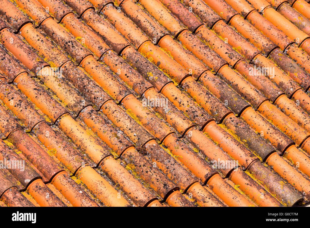 Rote Dachziegel hausdach stockfotos hausdach bilder alamy