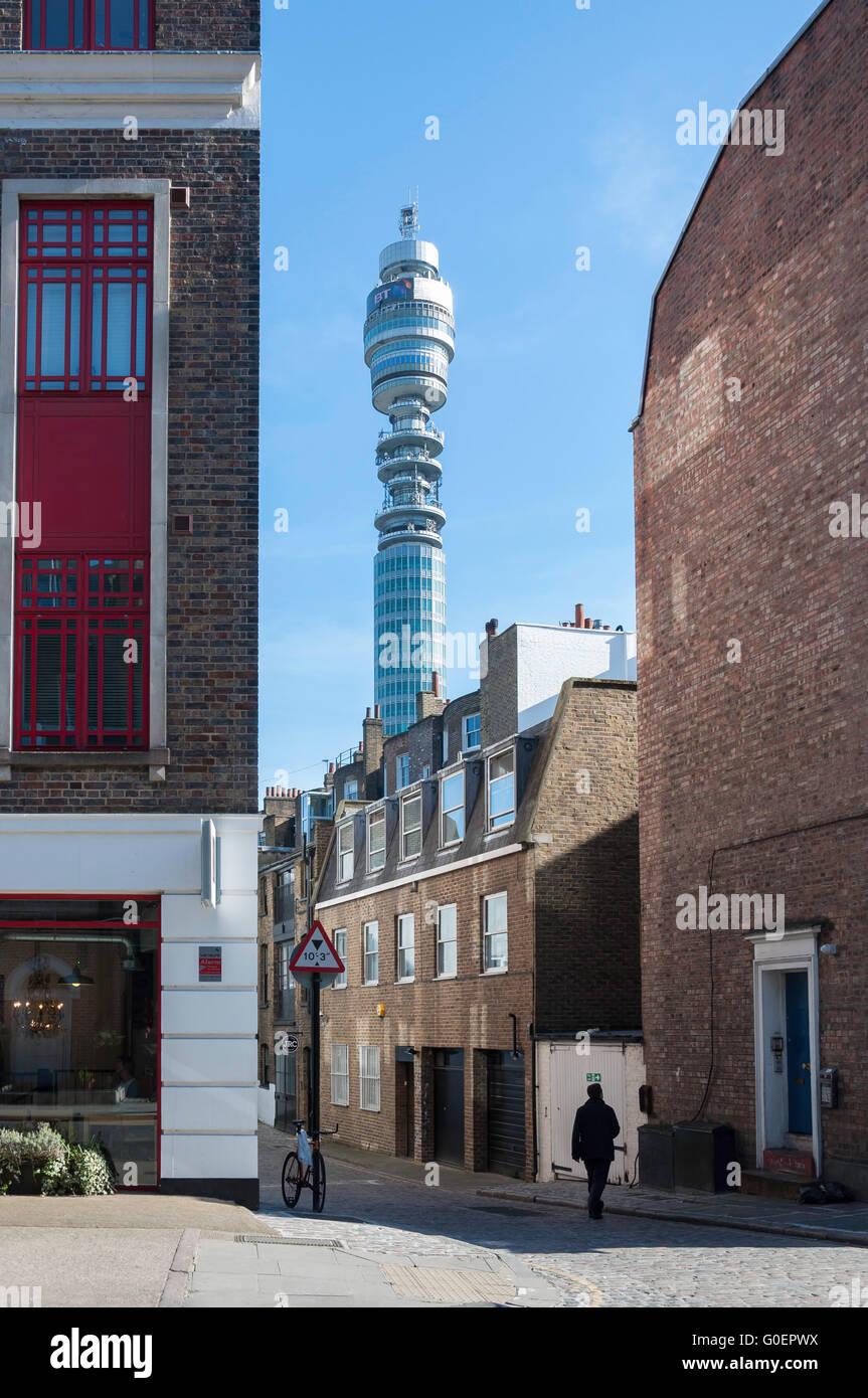 Post Office Tower von Grafton Mews, Fitzrovia, London Borough of Camden, London, England, United Kingdom Stockbild