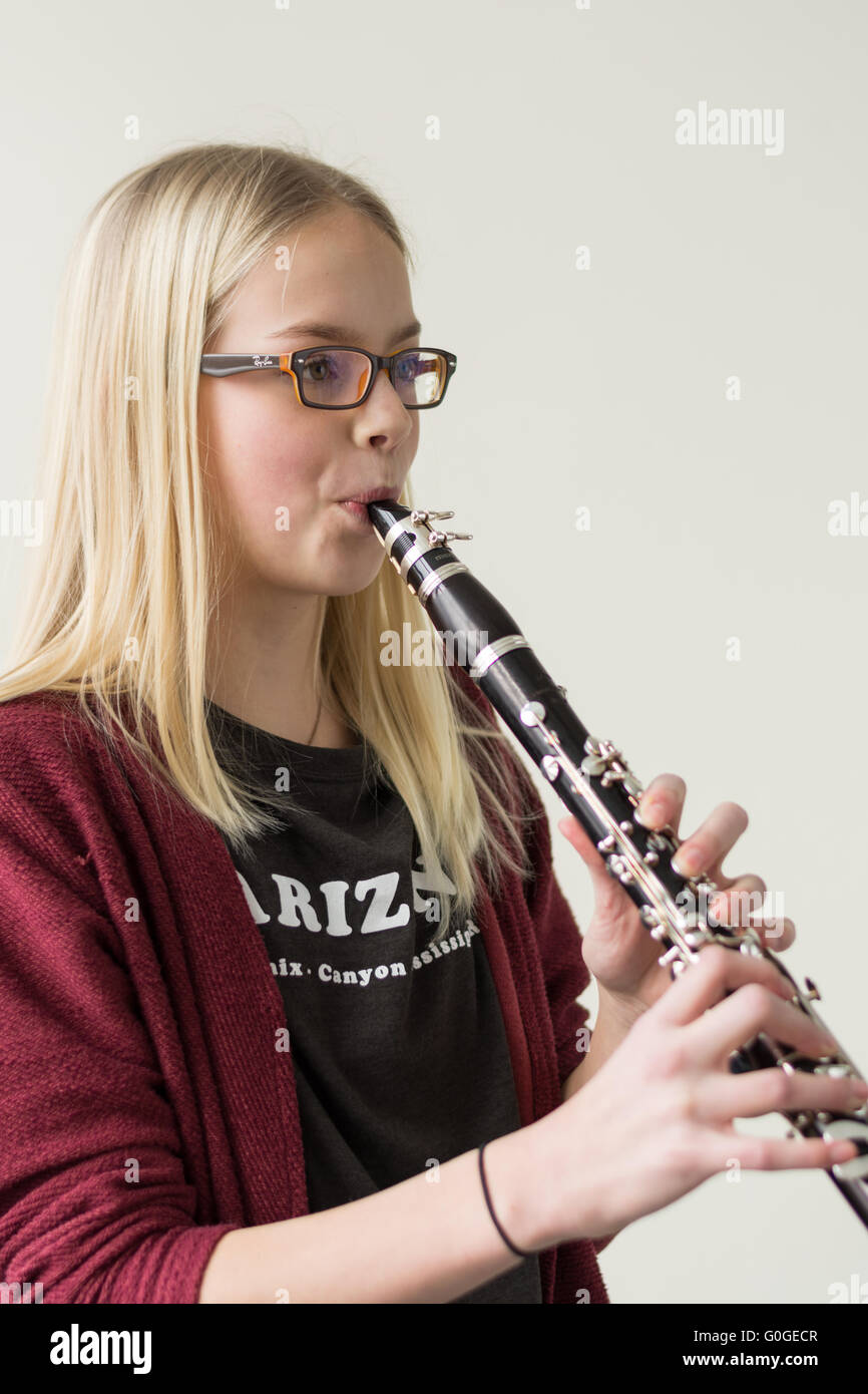 Jugend spielt Klarinette - Portrait und Copy Space Stockbild
