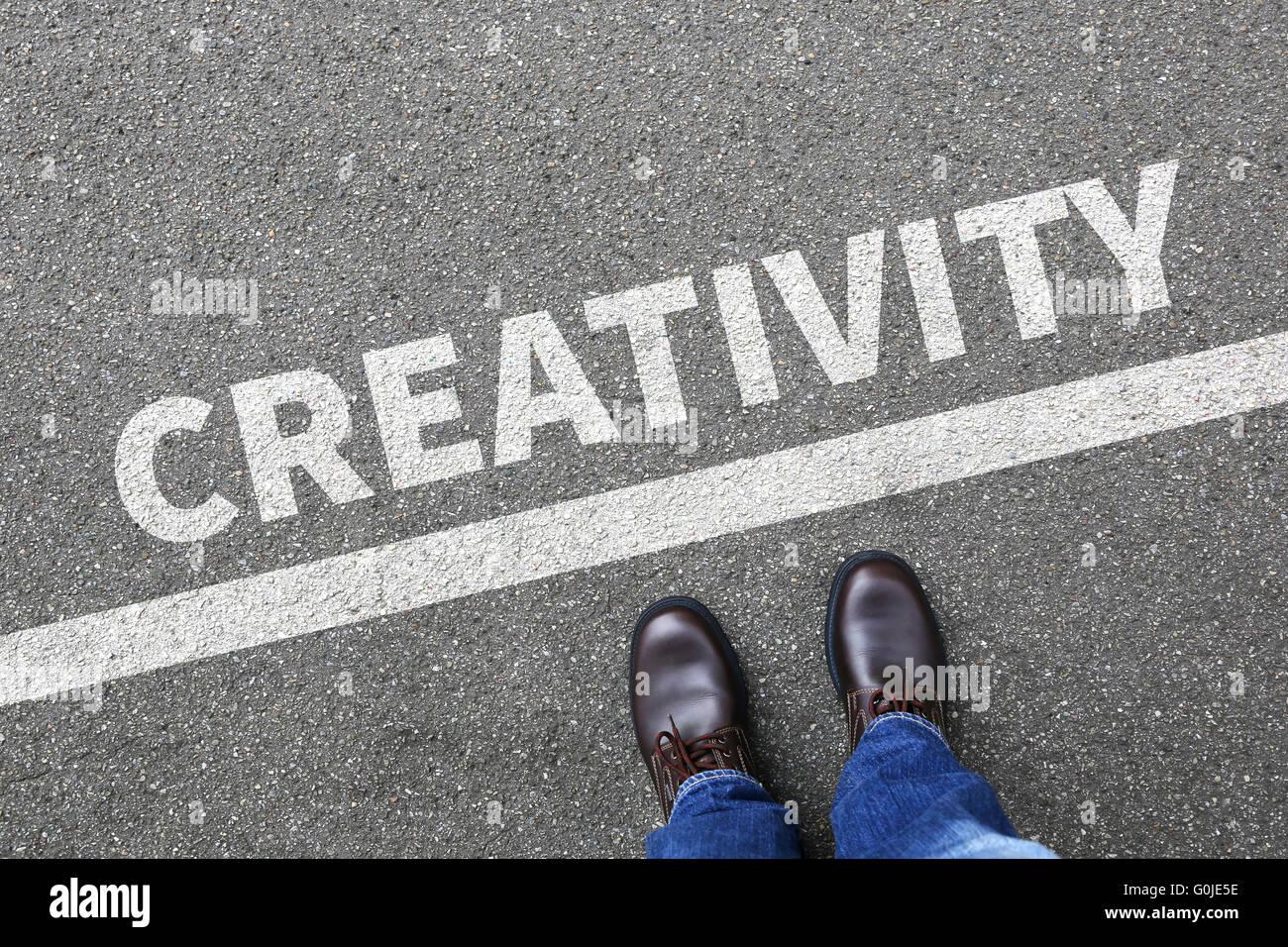 Kreativität kreativ vorstellen Phantasie denken Ideen Erfolg erfolgreicher Geschäftsmann Business Konzept Stockbild