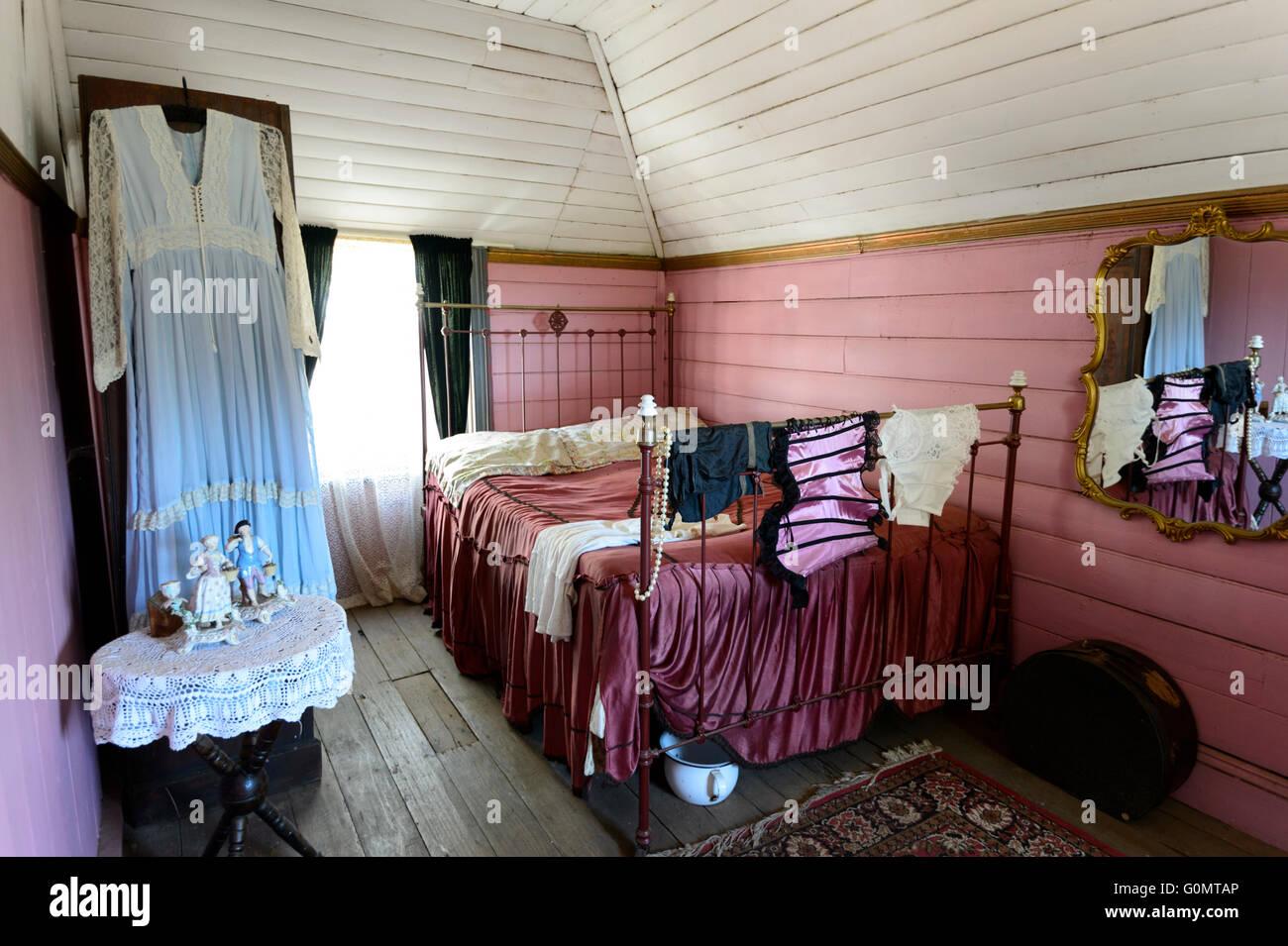 altes schlafzimmer eines bordells aus der kolonialzeit, Schlafzimmer entwurf