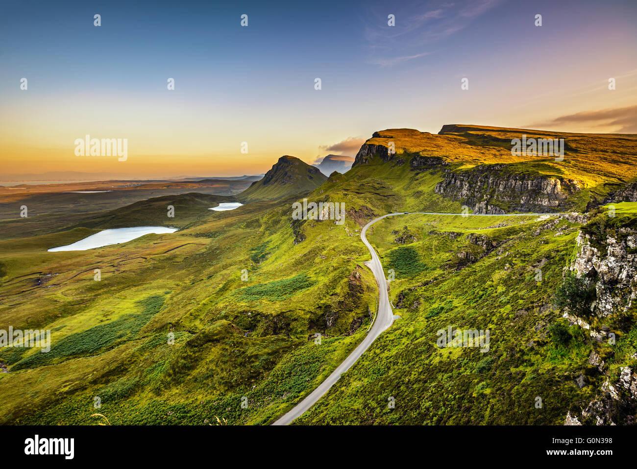 Quiraing Berge Sonnenuntergang an der Isle Of Skye, schottische Highlands, Vereinigtes Königreich Stockbild