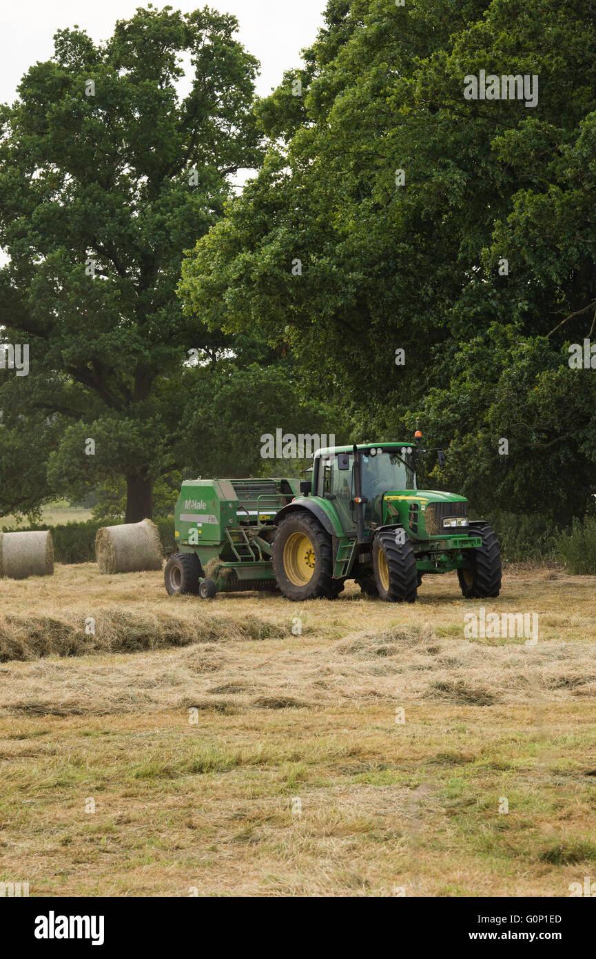 Wunderbar Bauernhof Ballenpresse Kunst Bilder - Elektrische ...