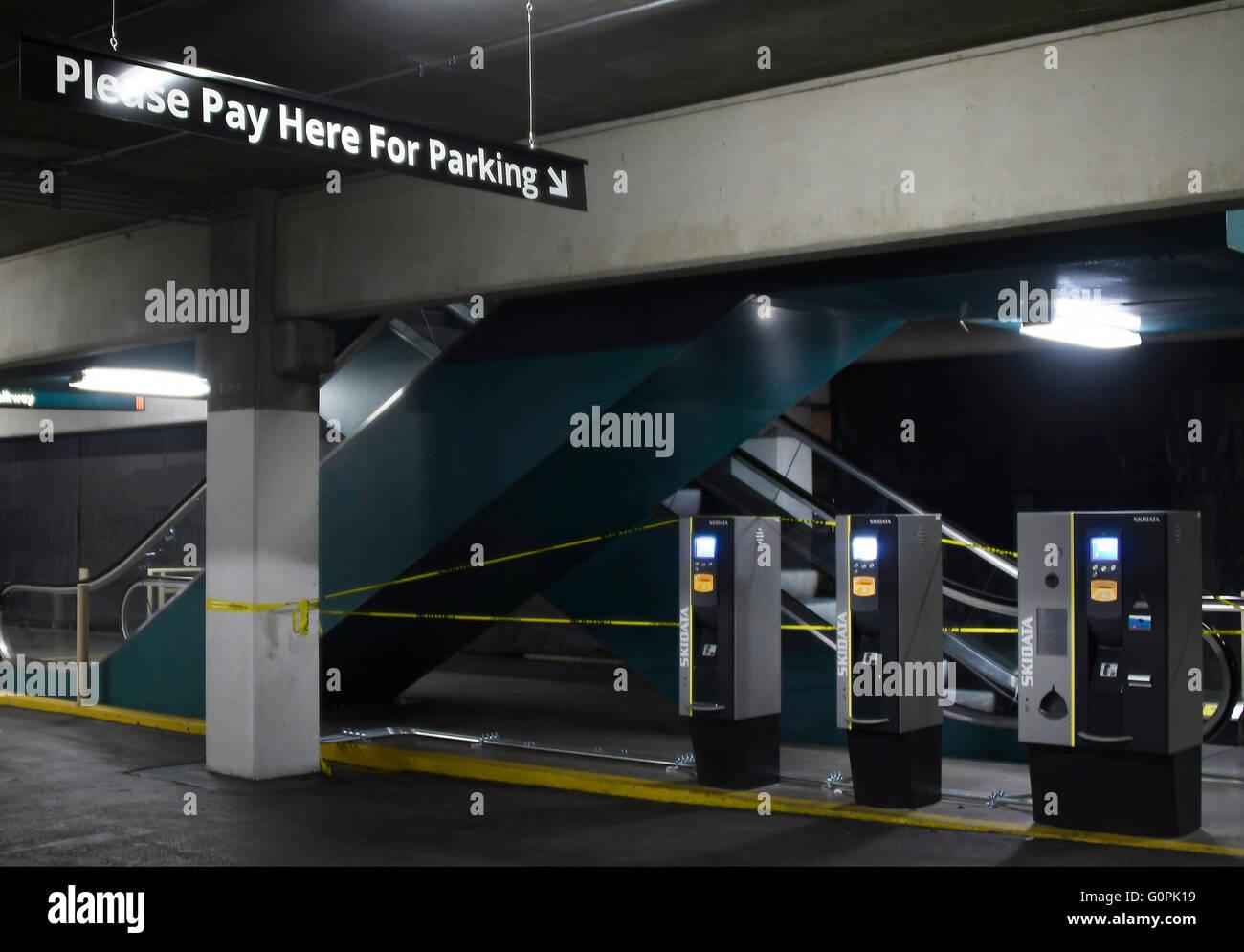 Self Pay Parking Stockfotos Und Bilder Kaufen Alamy