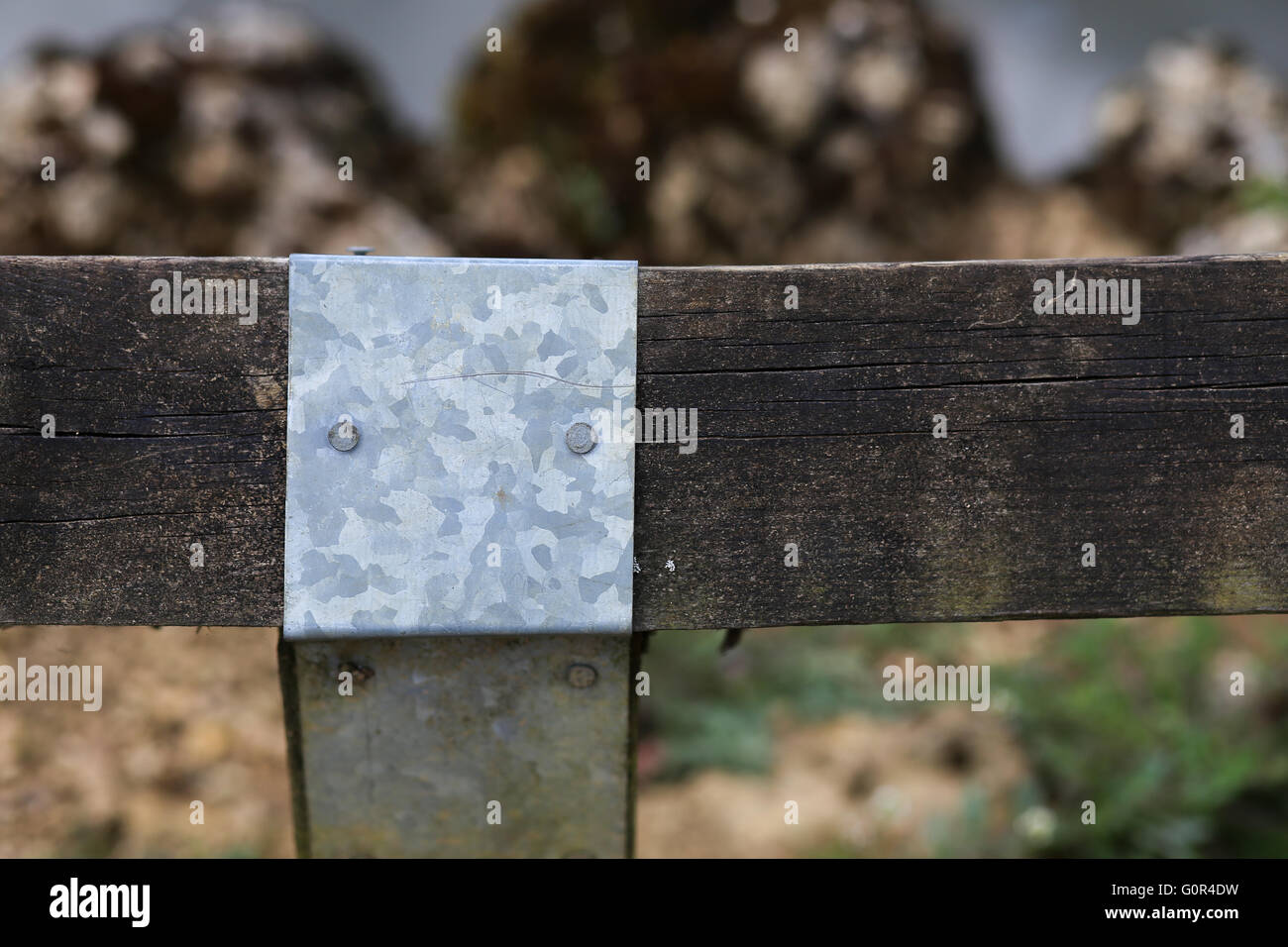 Verzinktem Stahlblech Deckel Fur Alte Holz Zaun Pfosten Gelenk Um