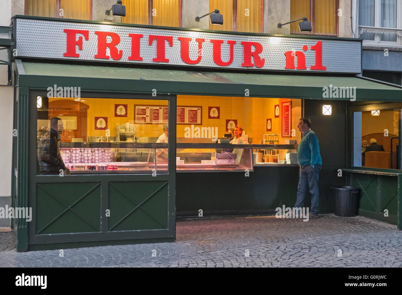 Frituur Nummer 1 Antwerpen Belgien Stockbild