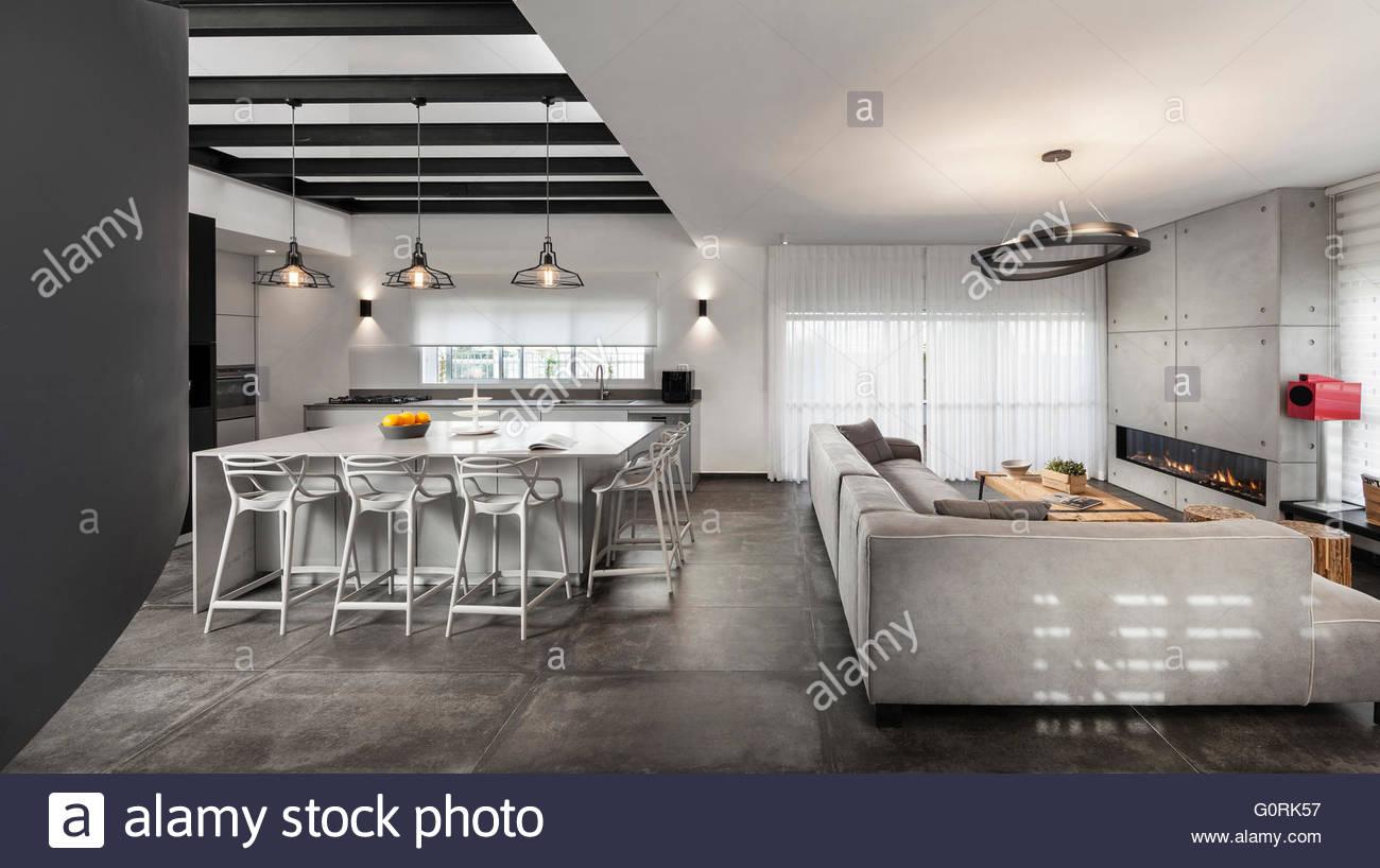 Modernes kühlen Penthouse. Offene Küche und Wohnzimmer mit modernen ...