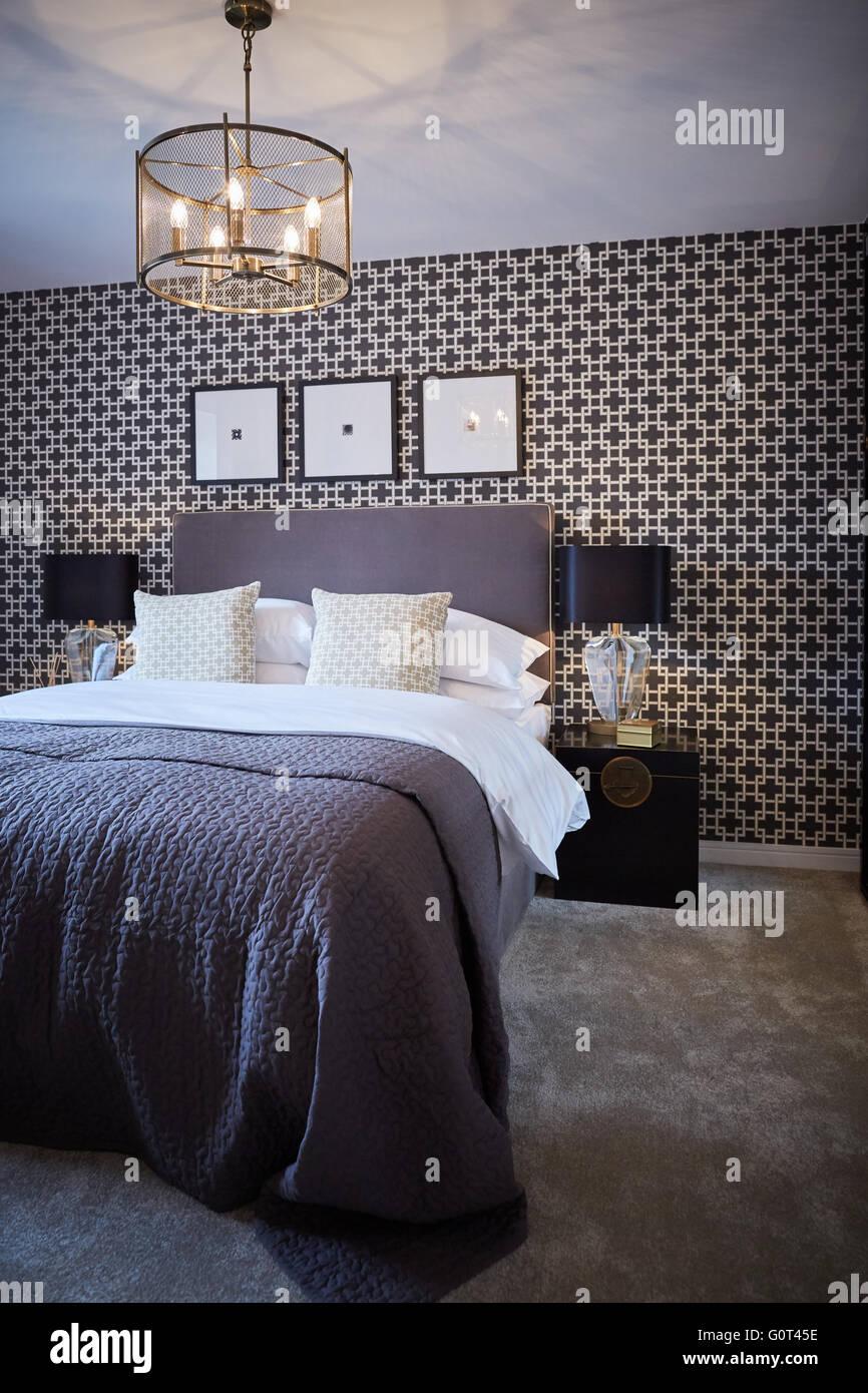 zeigen nach hause innen haupt schlafzimmer erwachsenen. Black Bedroom Furniture Sets. Home Design Ideas