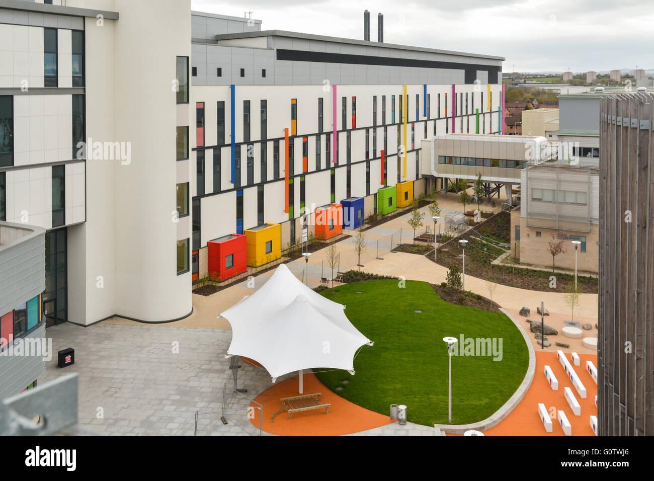 Das Royal Hospital für Kinder - Teil des neuen super-Krankenhauses in Glasgow - bunte außen und außen Stockbild