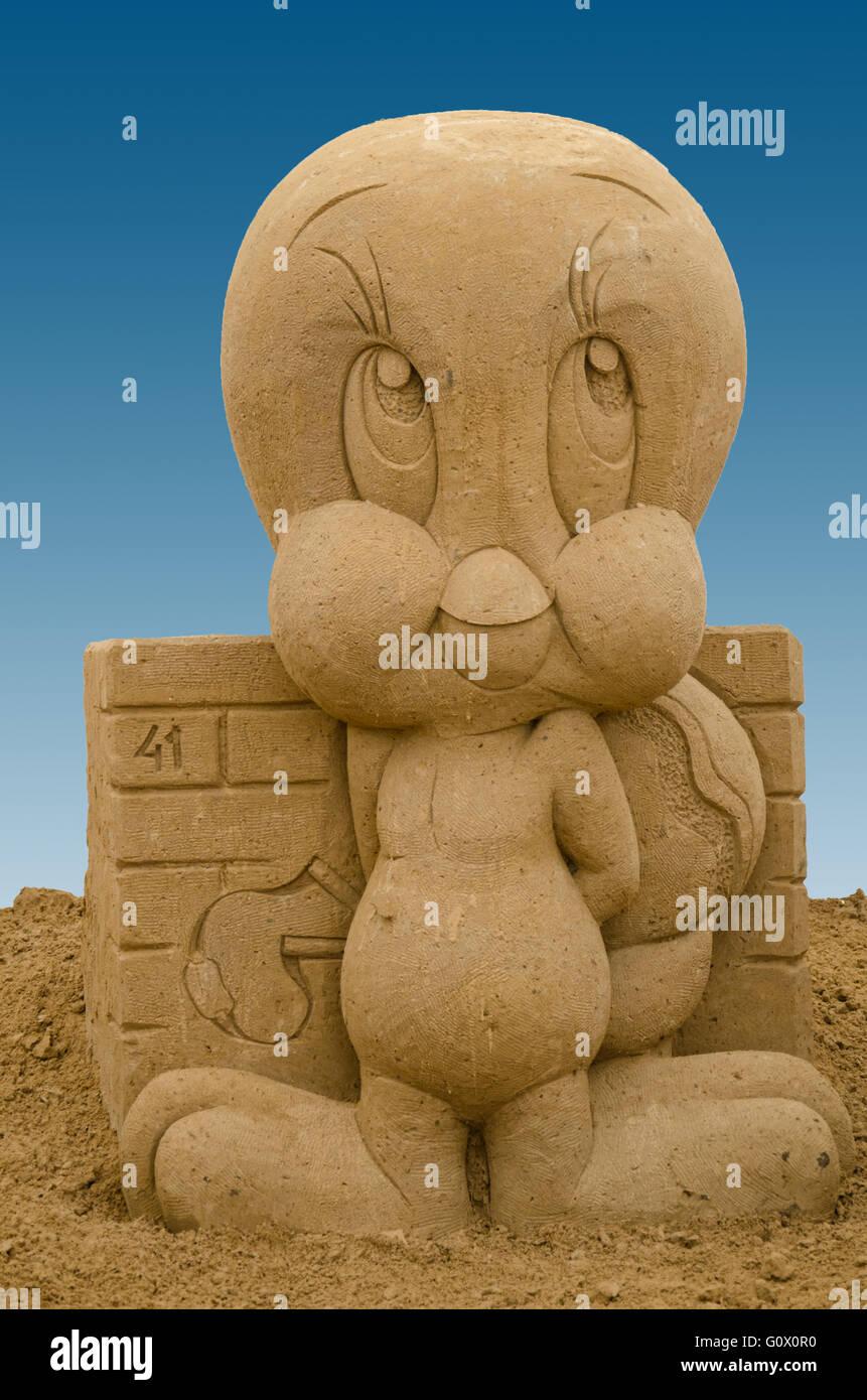 Sandskulpturen Tweety von Looney Toons Stockbild