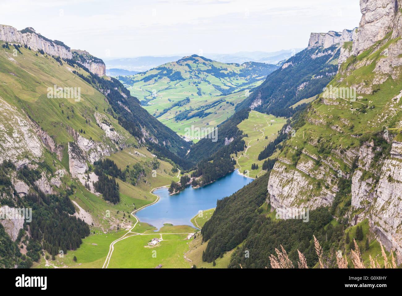 Luftaufnahme der Seealpsee (See) auf dem Alpstein-Berg in der Schweiz Stockbild