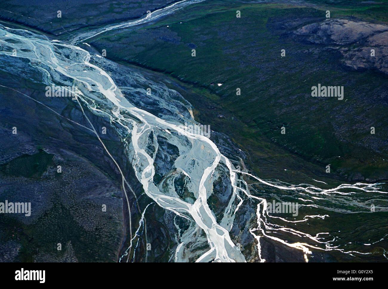 Luftaufnahme des abgelegenen Fluss zwischen Provideniya & Egvekinot; Sibirien; Chuchki Halbinsel; Magadan Region; Stockbild