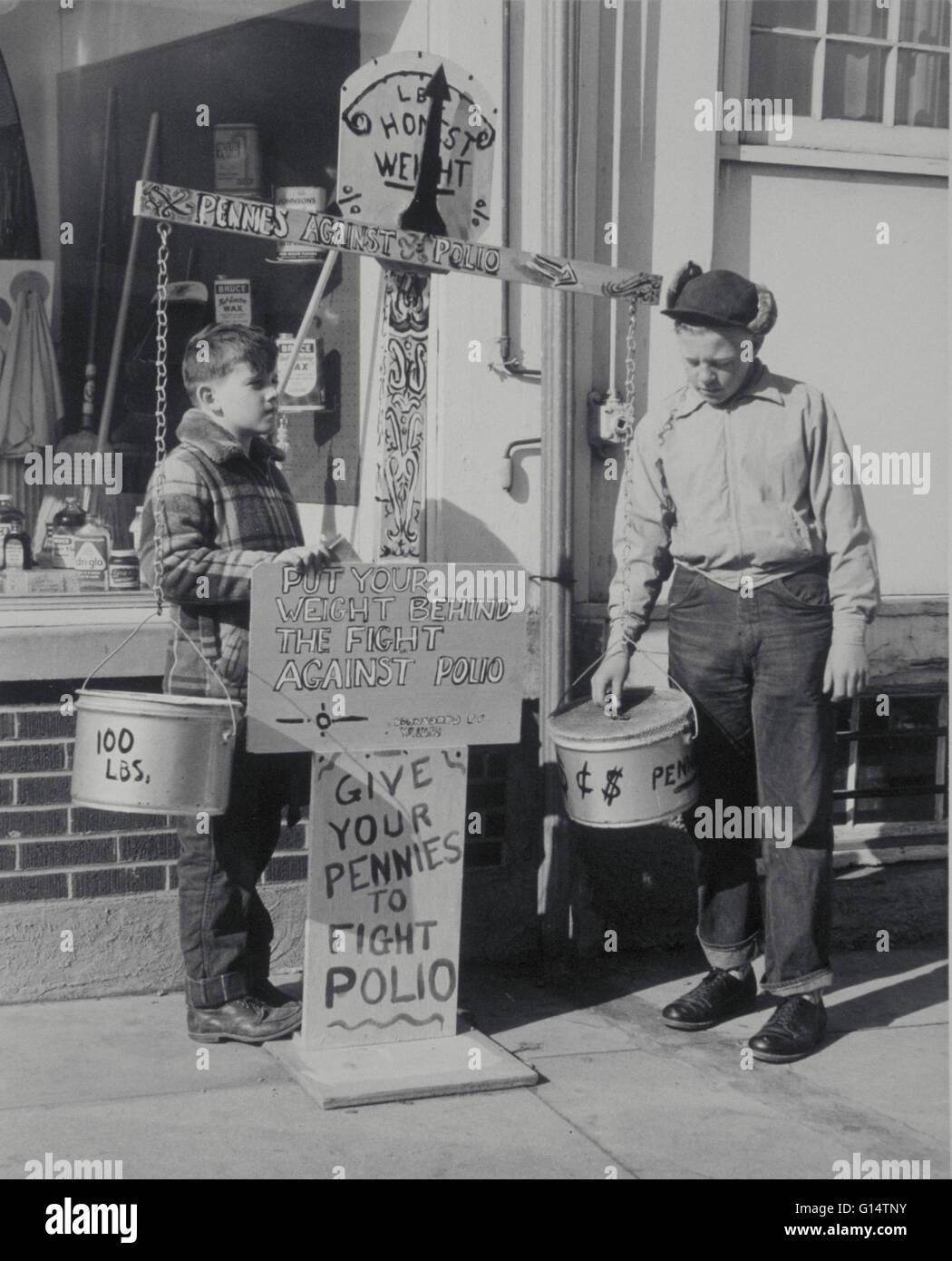 Jungen sammeln Geld für den Kampf gegen Polio. Vereinigte Staaten, etwa Anfang der 50er Jahre. Polio ist eine Stockbild