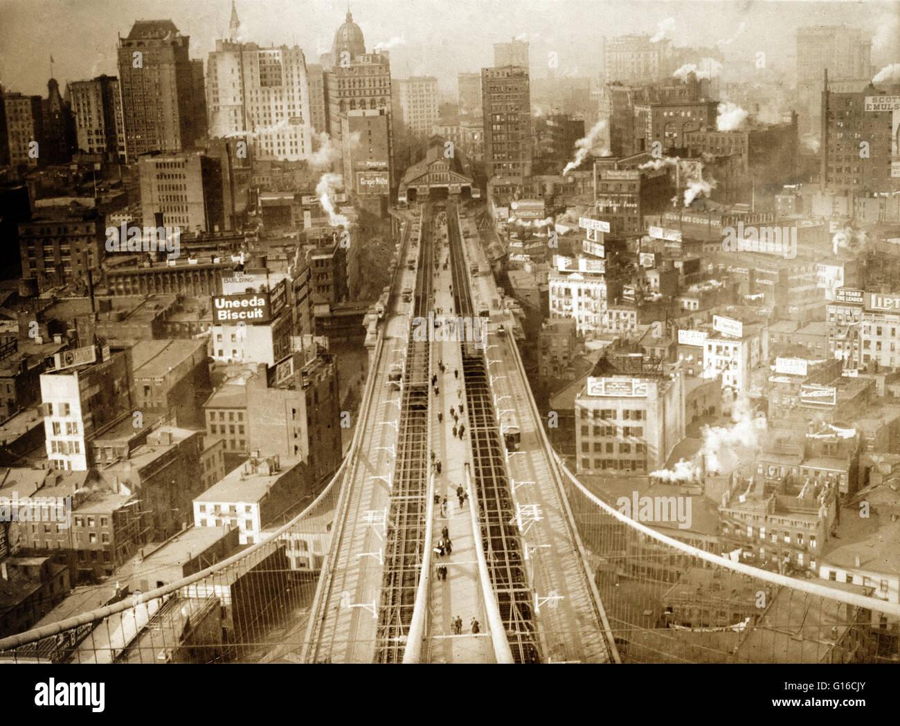 Foto zeigt aus der vogelperspektive von new york city mit menschen und trolleys der brooklyn - Vogelperspektive englisch ...