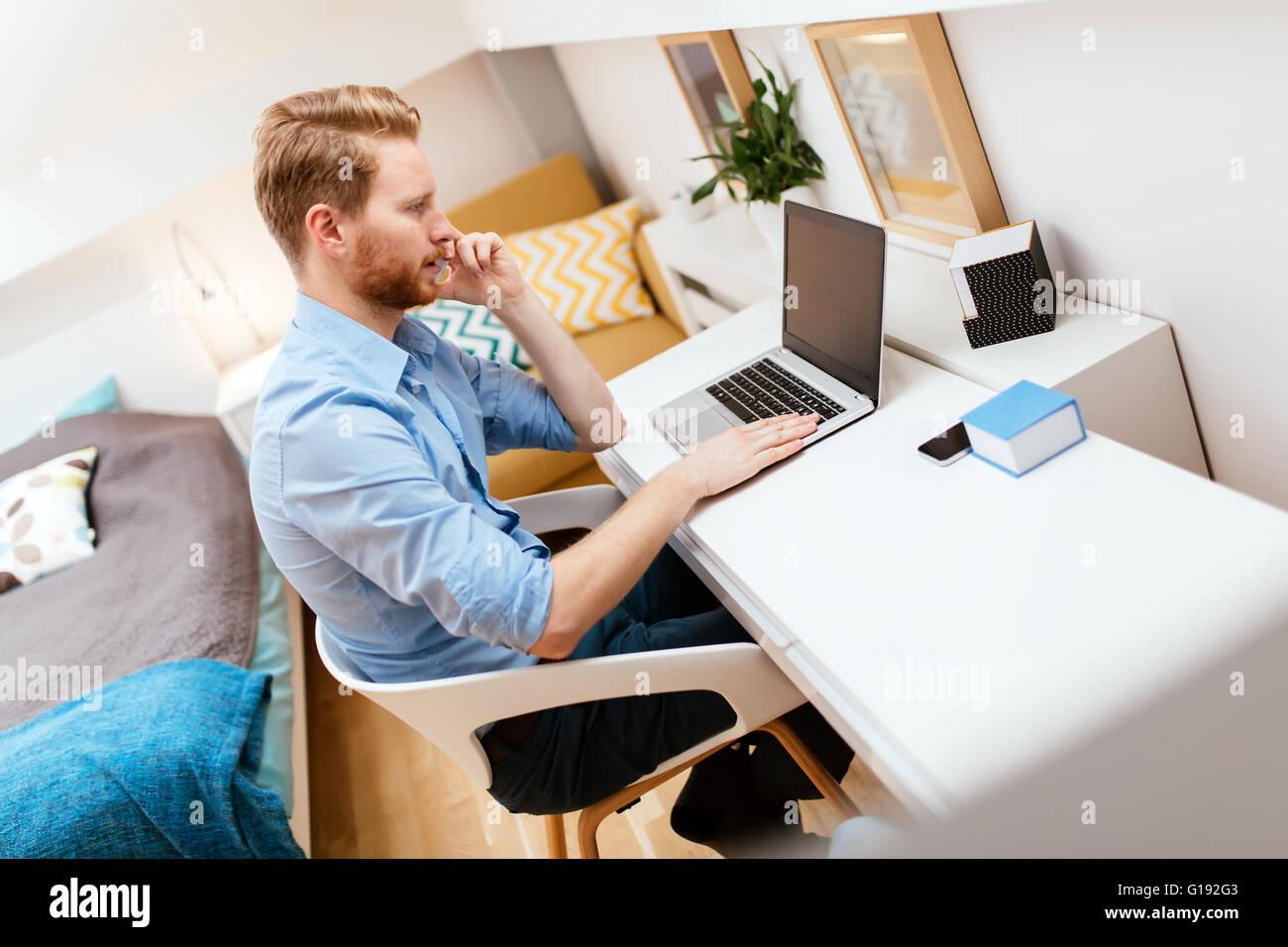 telework stockfotos telework bilder alamy. Black Bedroom Furniture Sets. Home Design Ideas