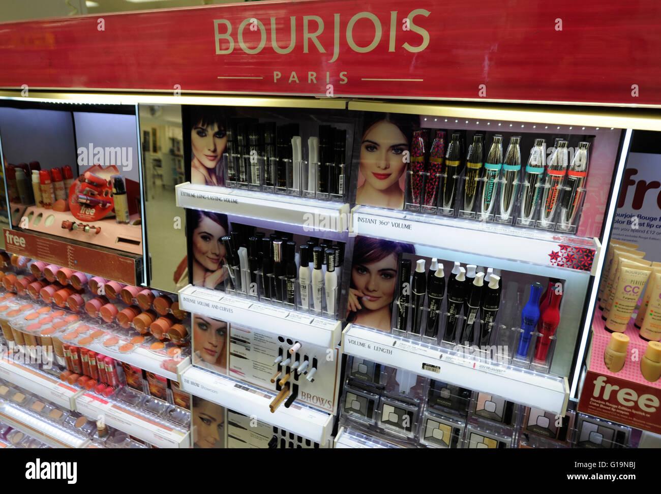 Bourjois Kosmetik im Stiefel Shop - cardiff Stockbild