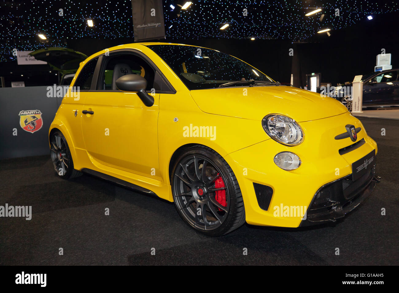 fiat 500 abarth stockfotos fiat 500 abarth bilder alamy. Black Bedroom Furniture Sets. Home Design Ideas