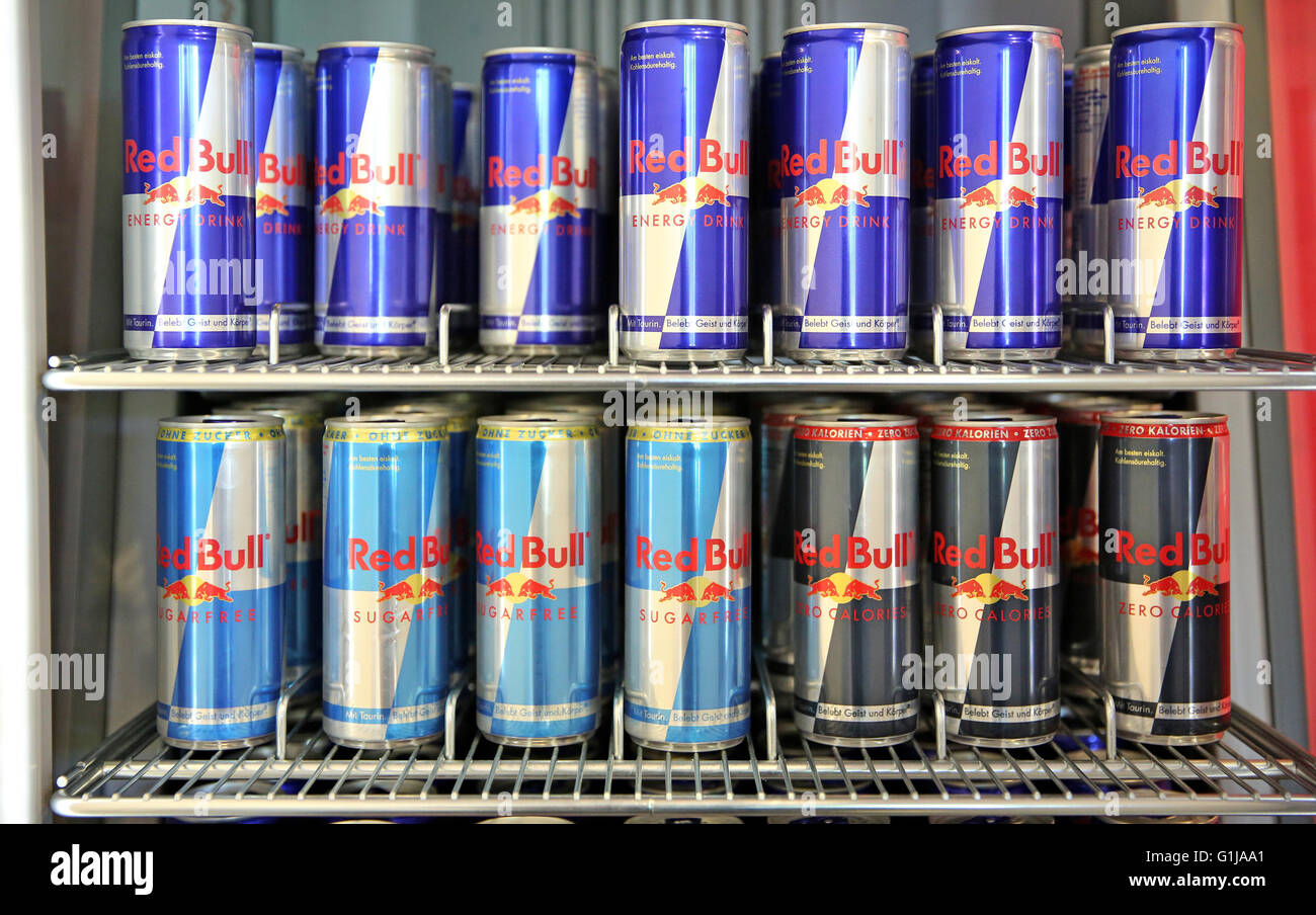 Party Kühlschrank Red Bull : Red bull cans stockfotos red bull cans bilder alamy