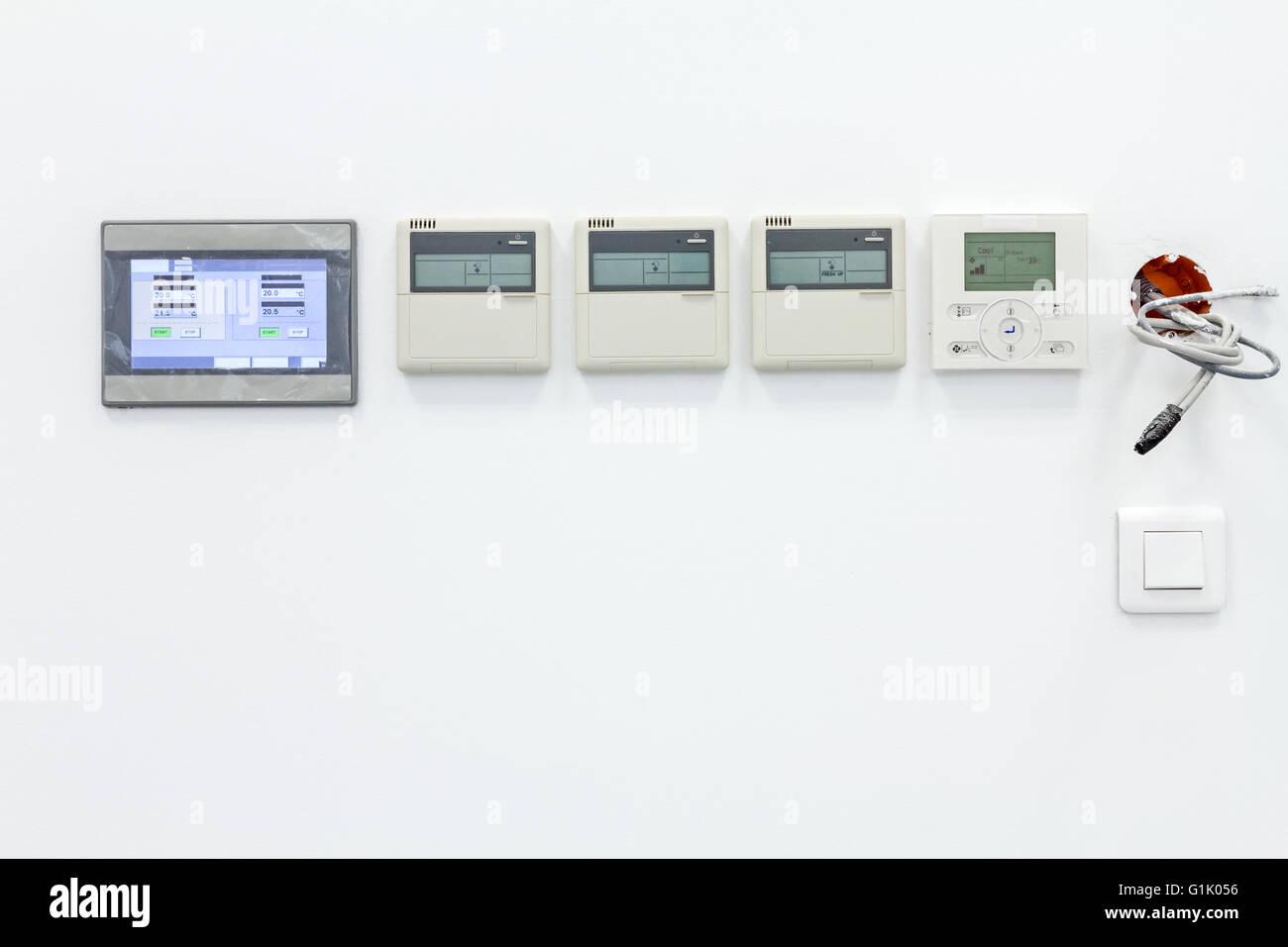 Smart Home Automation Wand Display Zeigt Haushalt Verbrauch Im