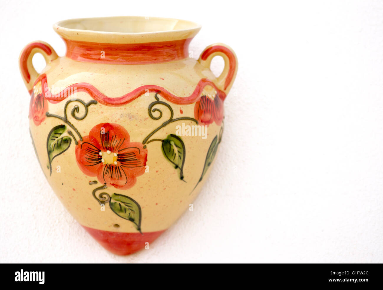 ceramic urn stockfotos ceramic urn bilder alamy. Black Bedroom Furniture Sets. Home Design Ideas