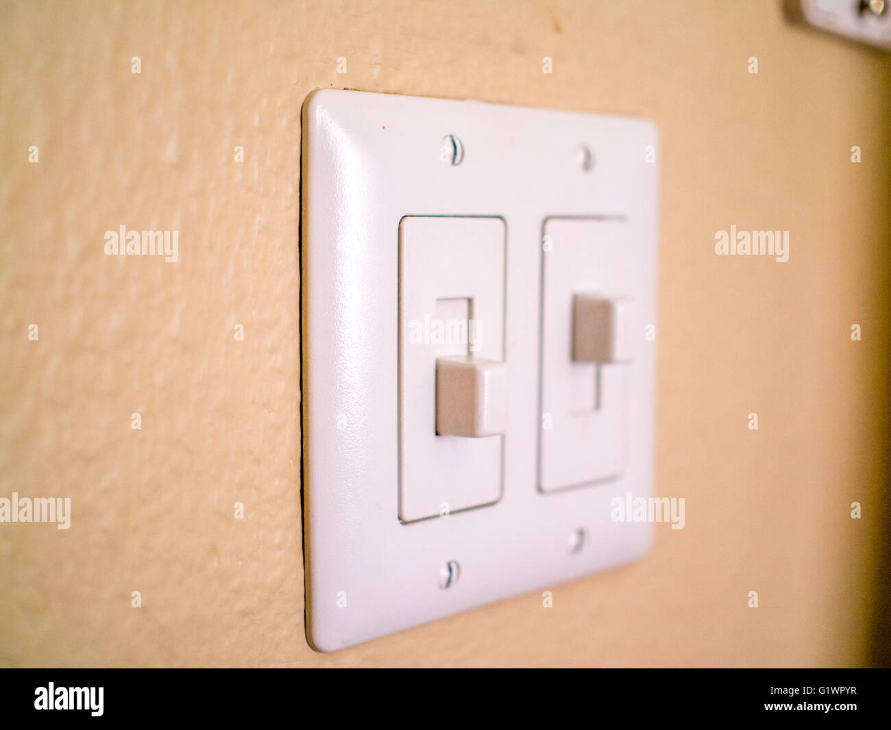 Berühmt Elektrische Verdrahtungsschalter Bilder - Elektrische ...