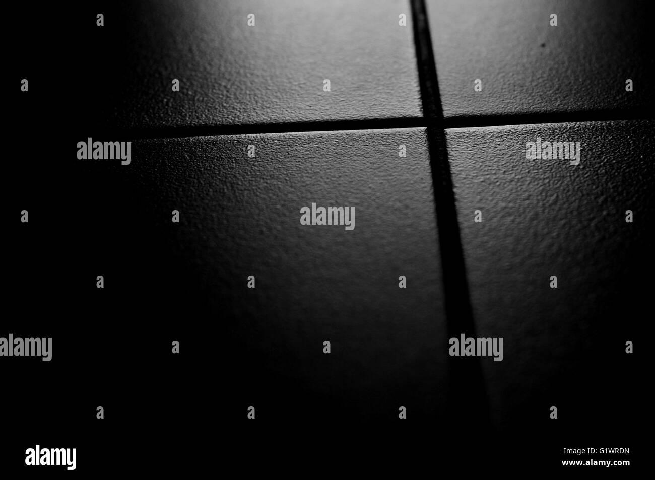 Fußboden Schwarz Weiß ~ Fliesen auf dem fußboden mit hintergrundbeleuchtung. schwarz weiß