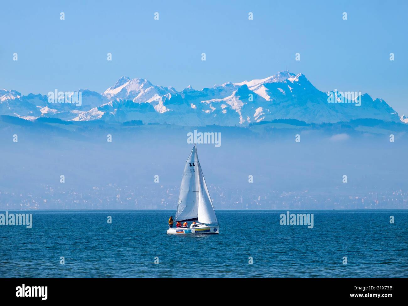 See und Berge Altmann und Säntis in der Schweiz, Blick von Langenargen, Bodensee Bezirk, Swabia Stockbild