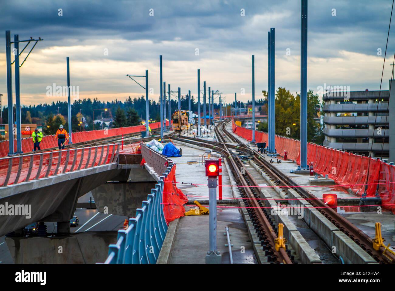 Die Bauarbeiten am Sound Transit Link Light Rail Süden 200. Street-Erweiterung, gleich hinter SeaTac Flughafen/Bahnhof Stockbild