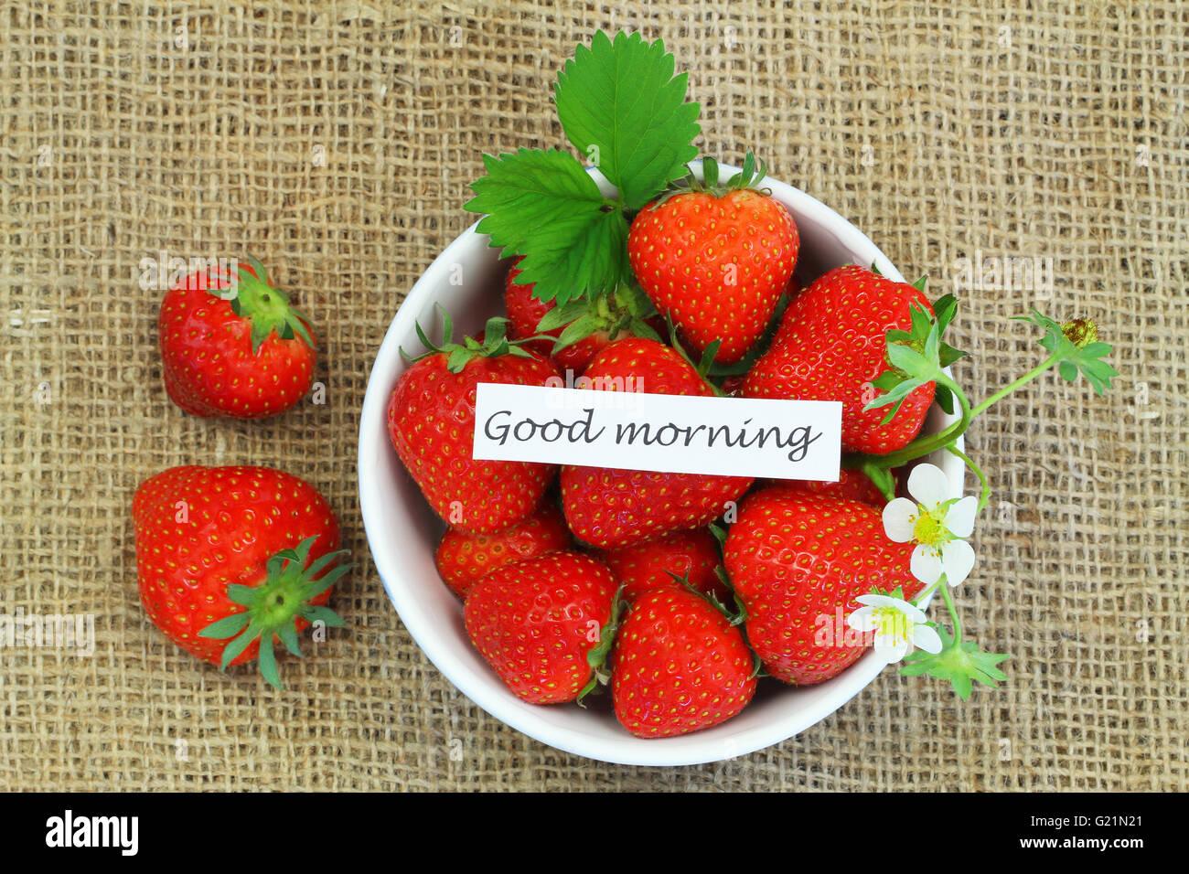 Guten Morgen Karte Mit Schale Mit Frischen Erdbeeren Auf