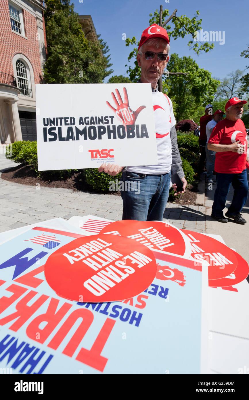 """Türkisch-Amerikaner beteiligen """"The Frieden und Solidarität zu Fuß"""" - Washington, DC USA Stockbild"""