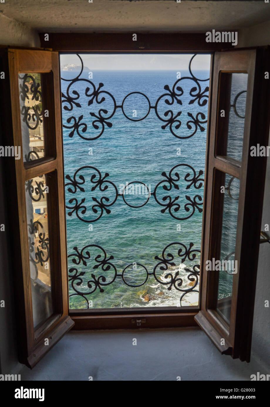 Grill windows stockfotos grill windows bilder alamy - Braunen durch fenster ...
