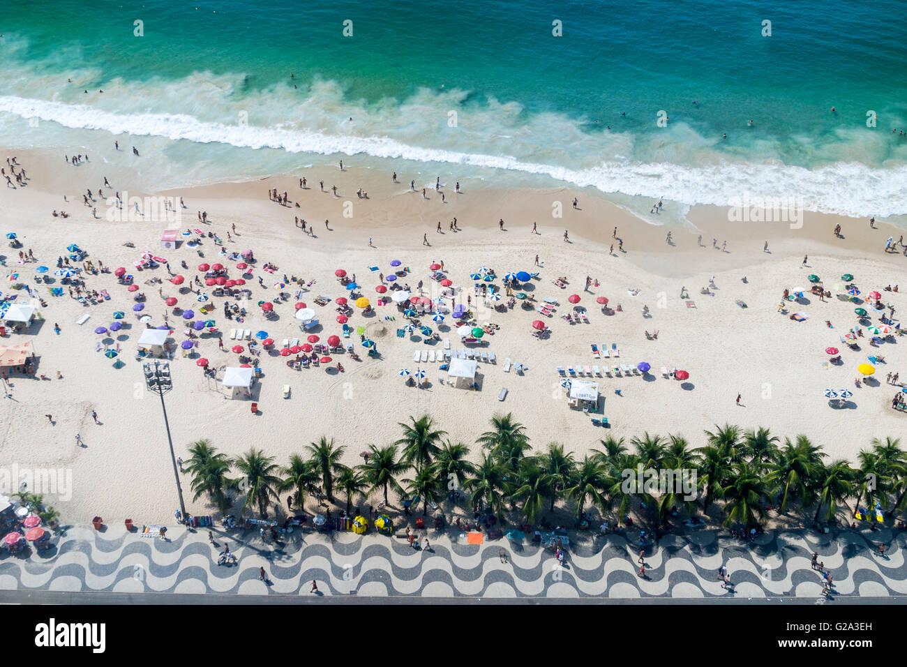 Brasilien, Rio De Janeiro, Blick von oben auf die Copacabana Stockbild