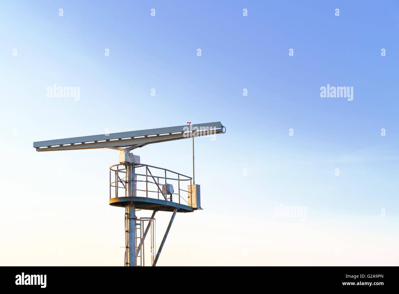 Radio-Locator in der Nähe der Aussichtsturm am südlichen Pier in Ventspils. Ventspils einer Stadt im Großraum Courland Stockfoto