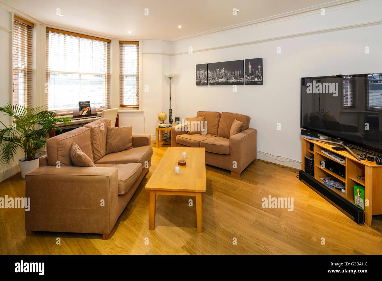 Molyneux House, Marble Arch einfach Wohnzimmer mit neutralen Ton ...