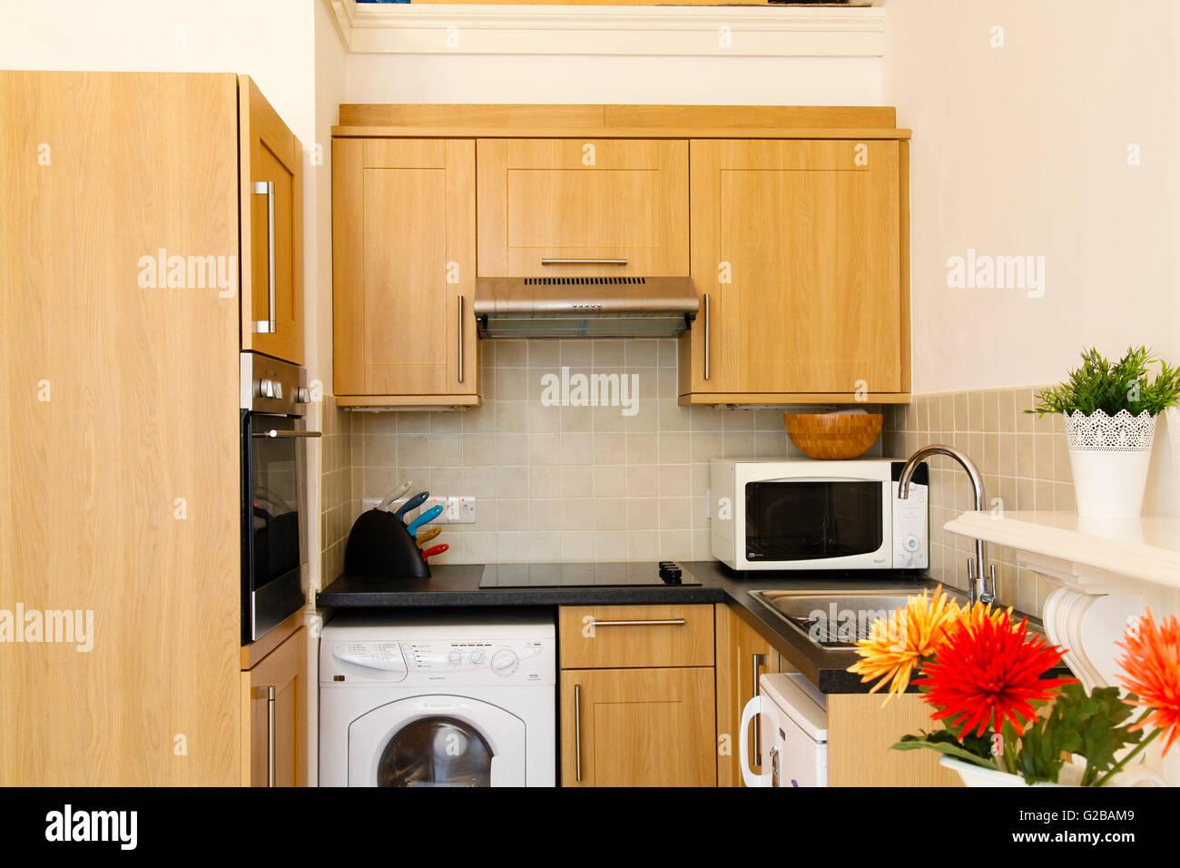 Pembridge Square, Notting Hill. Kleine Küche mit klaren, modernen ...