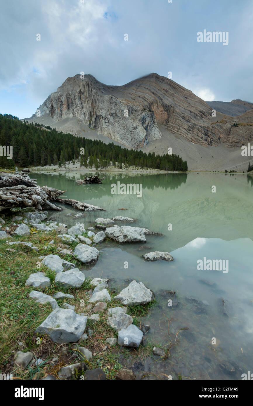 Ibón de Plan (oder Basa De La Mora), einem Bergsee in den Pyrenäen Gebirge, Huesca, Aragon, Spanien. Stockbild