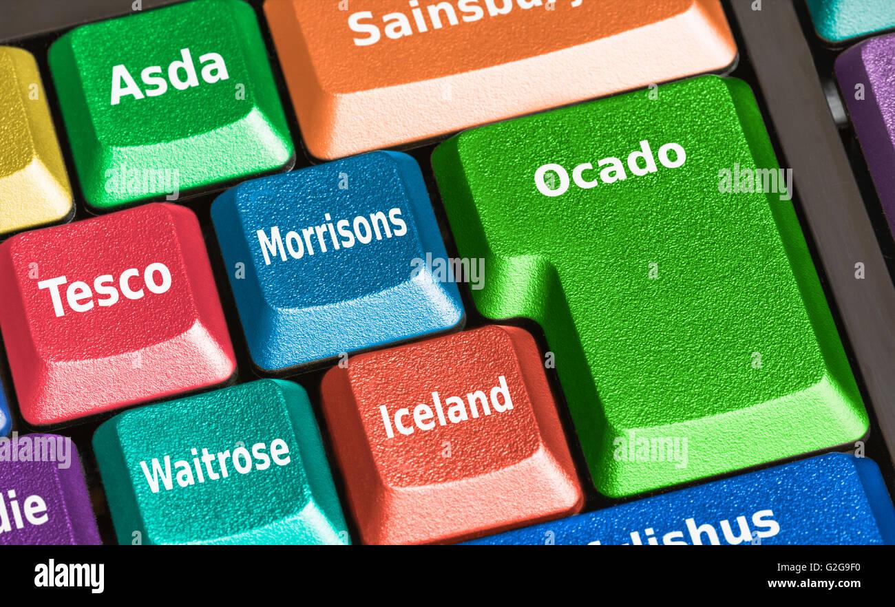 Online-Lebensmittel shopping-Möglichkeiten auf einer Computertastatur. Stockbild