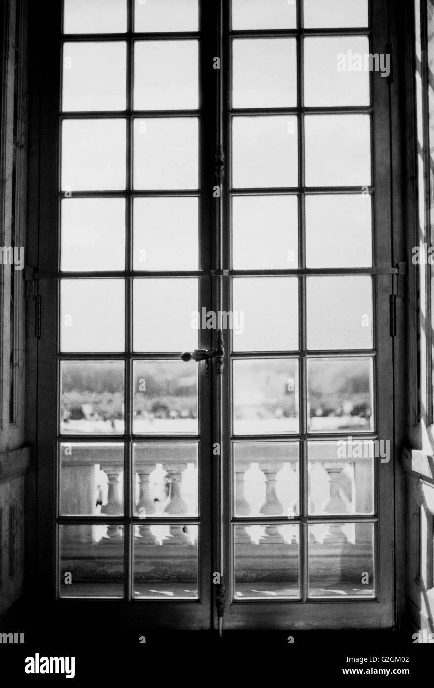 Geschlossenen Glastüren, Palast von Versalilles, Frankreich Stockbild
