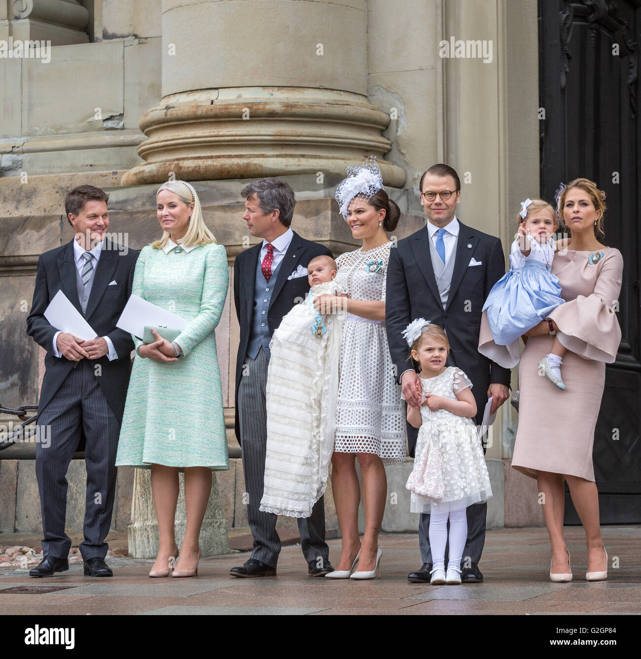 Königliche Taufe in Schweden Mai 2016 ? Prinz Oscar von Schweden. Die engste Familie mit Paten Stockbild