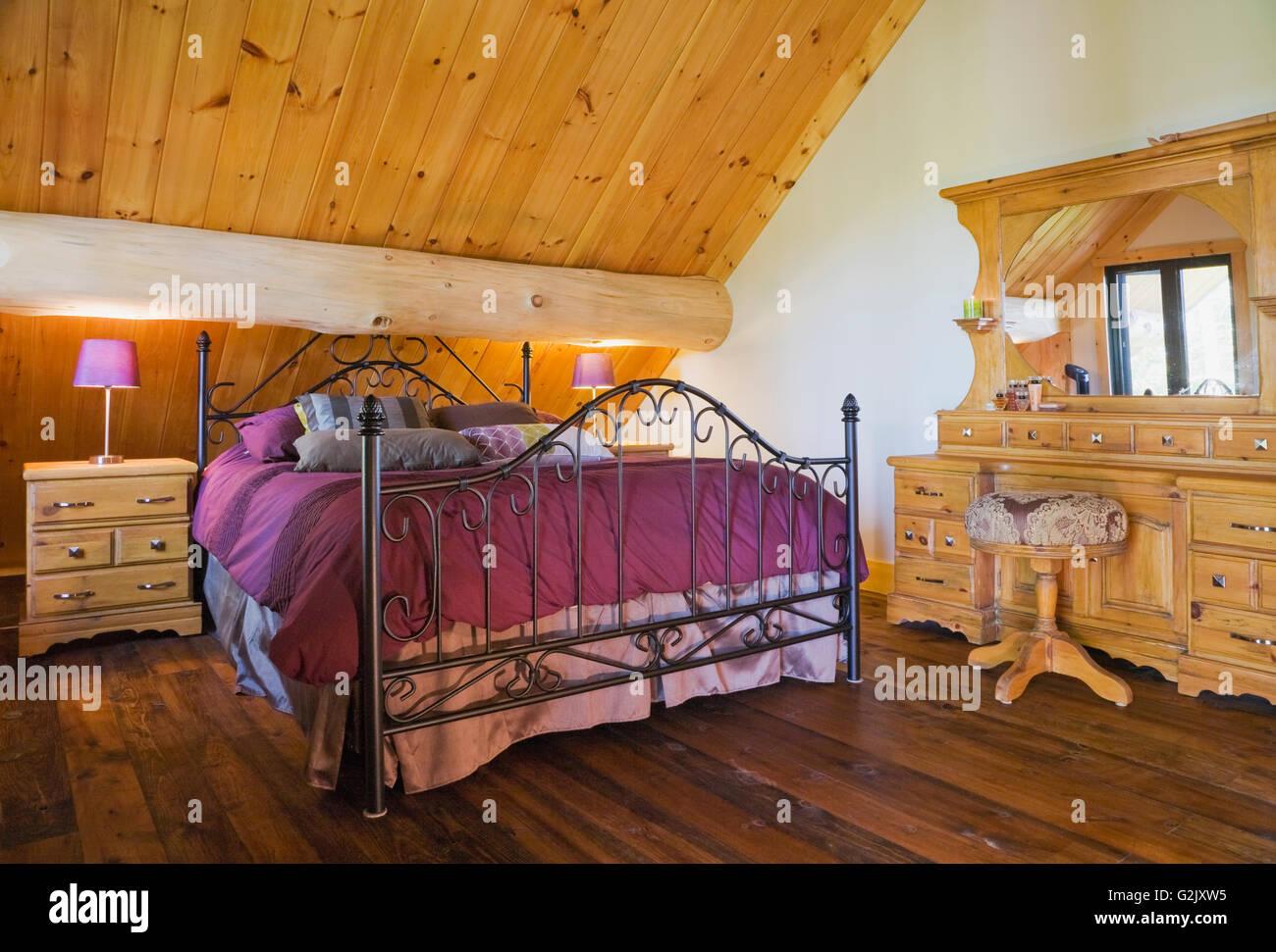 Queen-Größe Bett Schmiedeeisen Kopfteil Fußteil sowie antike ...