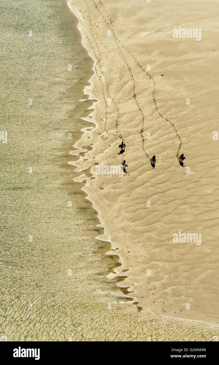 Luftaufnahme, die Bucht von Galway Rusheen mit Reiten am Strand, Atlantic Beach, Sandstrand, Galway, Galway, COUNTY Stockbild