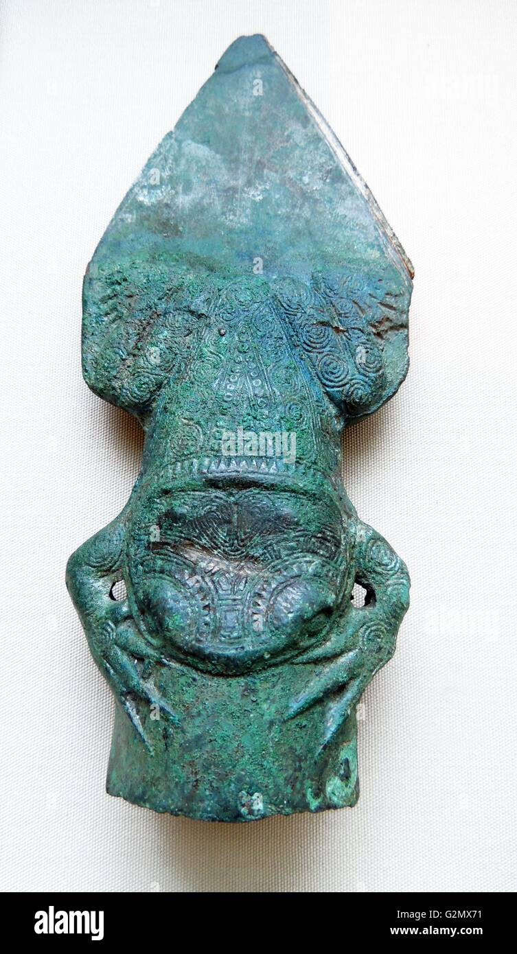 Bronze Waffe mit einem Frosch-förmigen Sockel 1. Jh. v. Chr. Stockbild