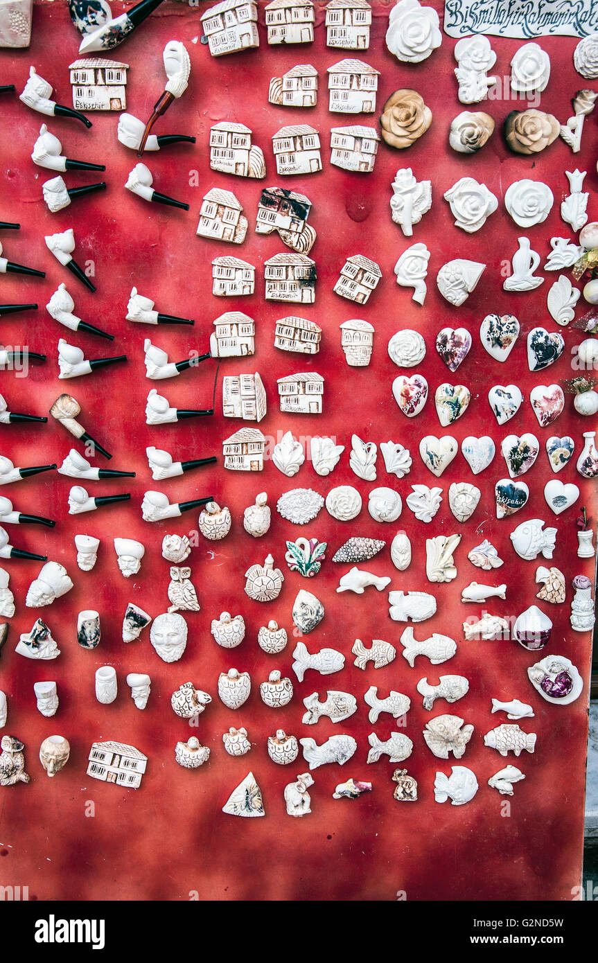 Magnet für Kühlschrank Ornament auf der roten Karte für verkaufen Stockbild