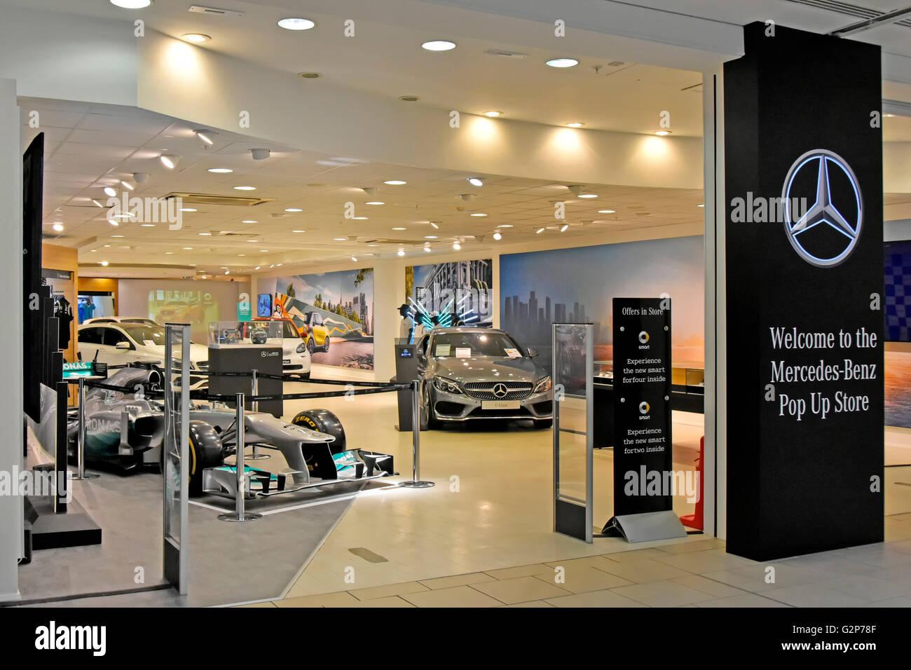 Pop up shop stockfotos pop up shop bilder alamy for Mercedes benz auto mall