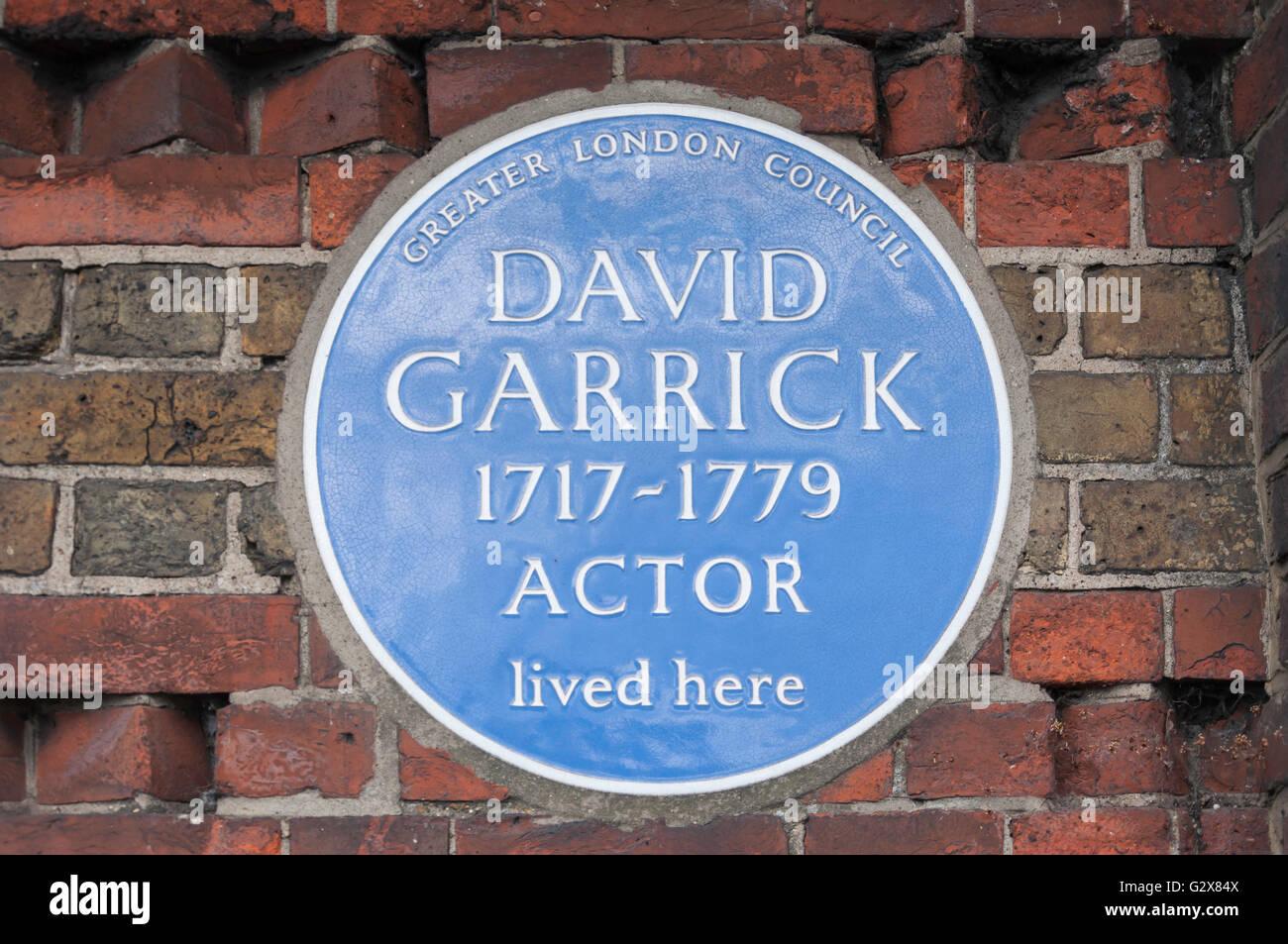 Blaue Plakette mit dem 18. Jahrhundert Schauspieler David Garrick, Garrick House, Hampton, Greater London, England, Stockbild