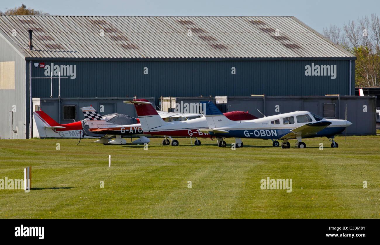 Leichtflugzeug in Goodwood Flughafen/Flugplatz, Chichester, West Sussex, England Stockbild