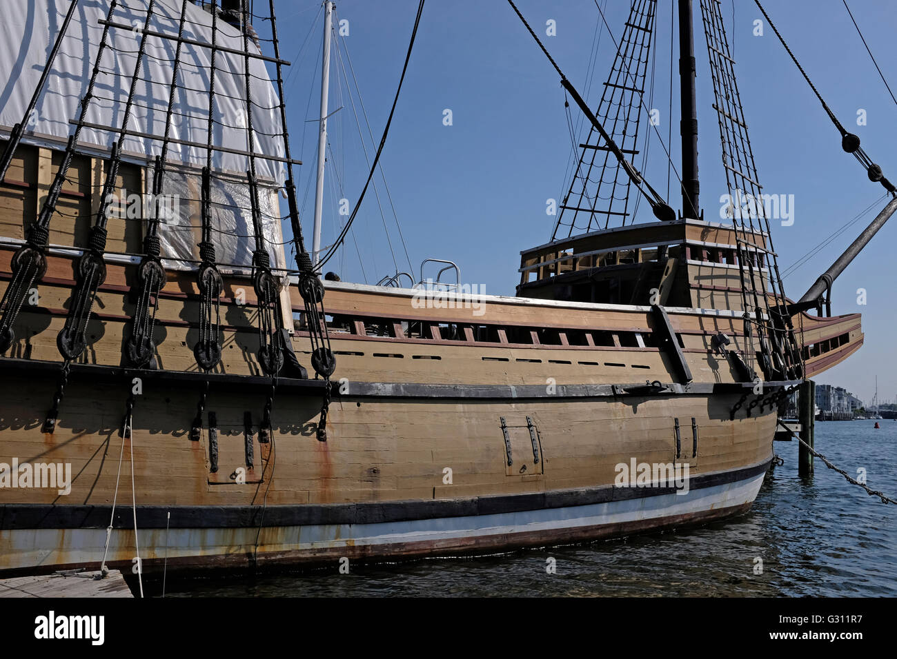Die Mayflower II angedockt in Mystic Seaport, Connecticut Stockbild