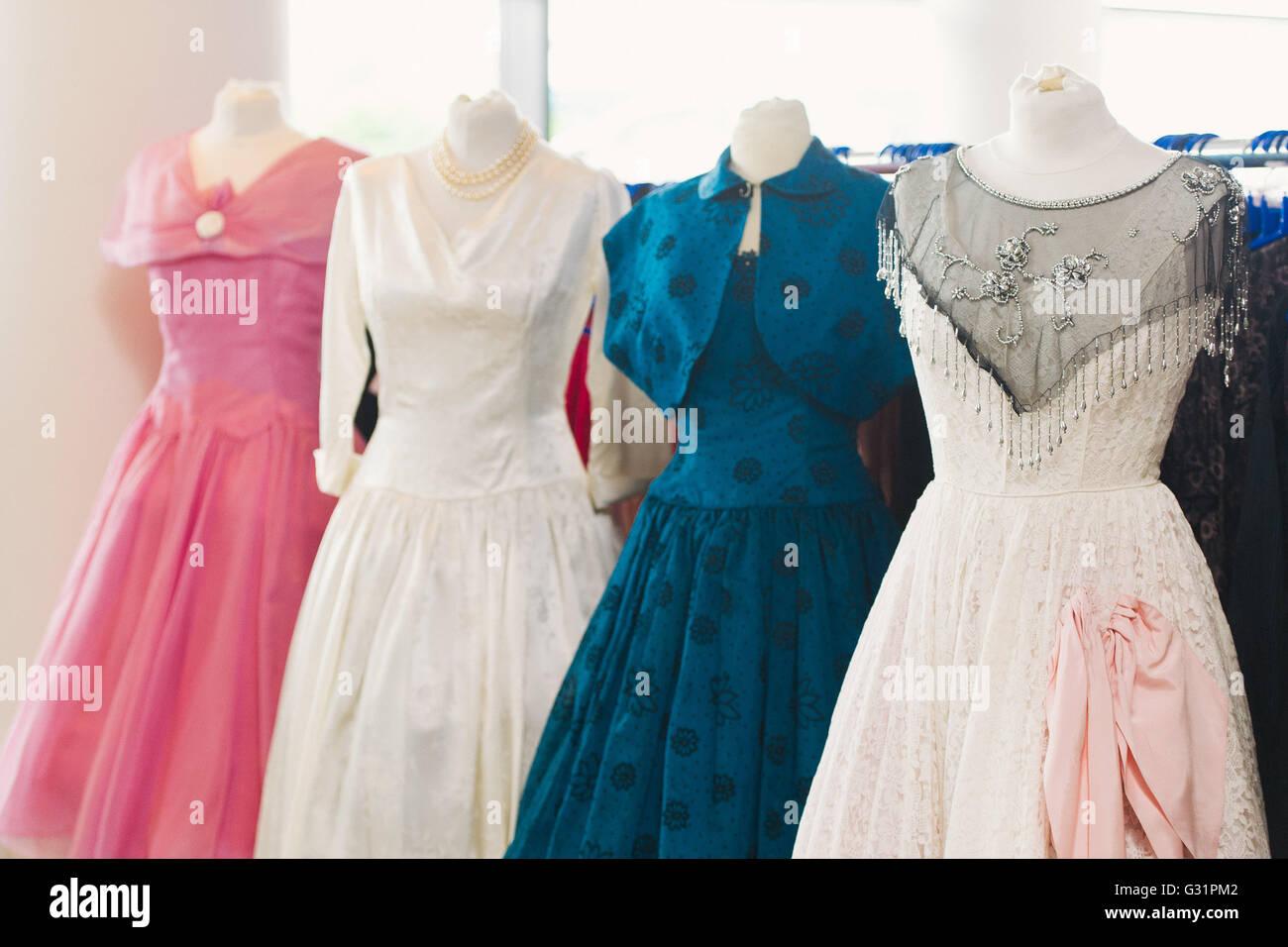 Retro Dresses Stockfotos & Retro Dresses Bilder - Alamy