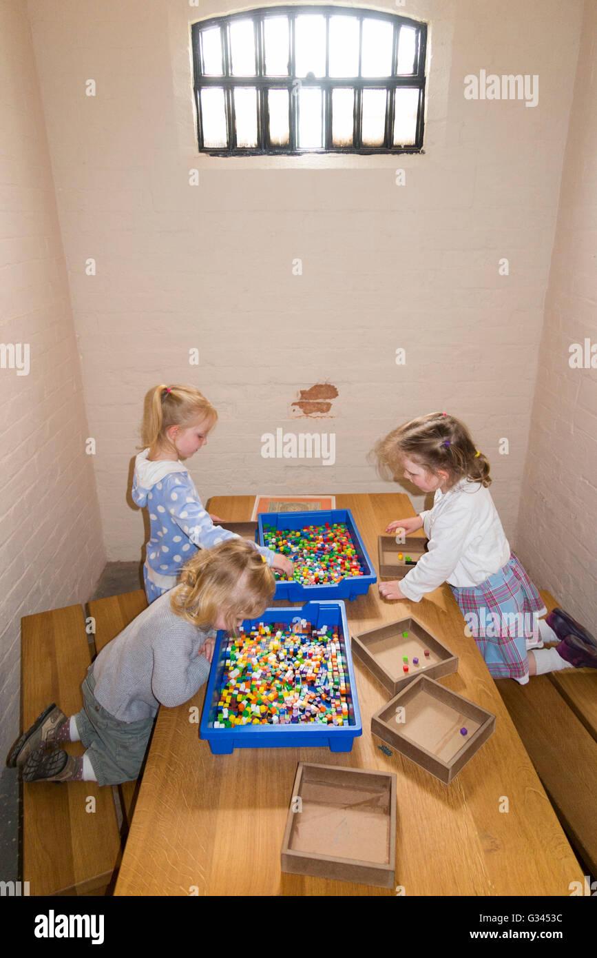 Victorian children toy stockfotos victorian children toy for Schaukelstuhl kleinkind