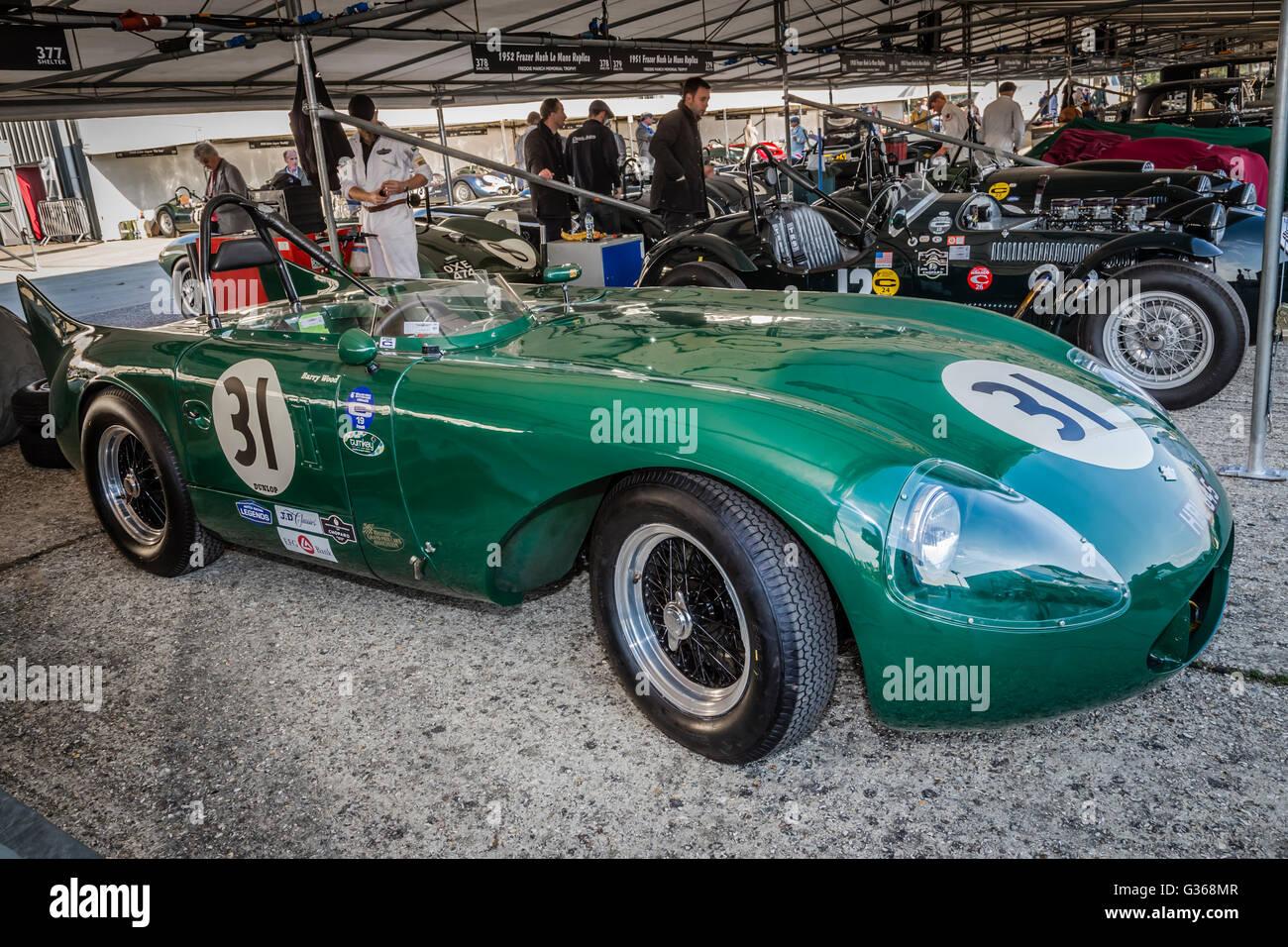Barry und Tony Wood 1952 RGS-Jaguar Atlanta im Fahrerlager bei 2015 Goodwood Revival, Sussex, UK. Stockbild